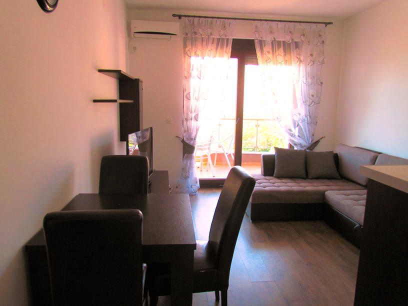 Квартира с 1 спальней в центре Будвы с видом на море.